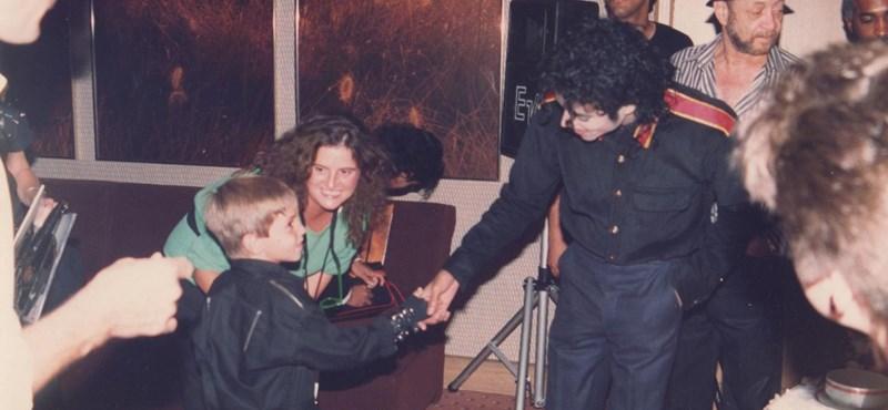 """""""Michael Jackson Párizsban megtanított maszturbálni, így kezdődött az egész"""""""
