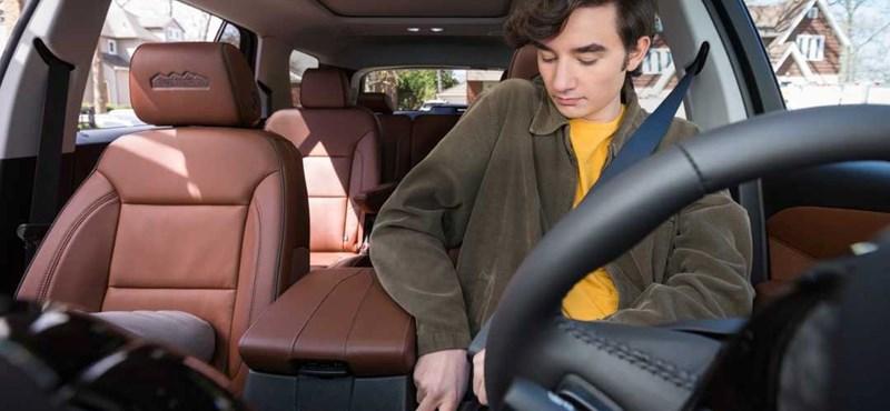 Addig nem megy sehova az új Chevrolet, amíg nincs bekapcsolva az öv – videó