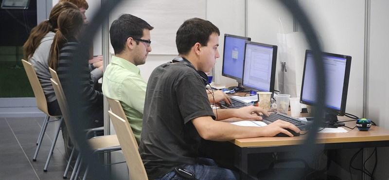 Ez vár a felsőoktatásra - több tízezer egyetemista választ online kurzusokat