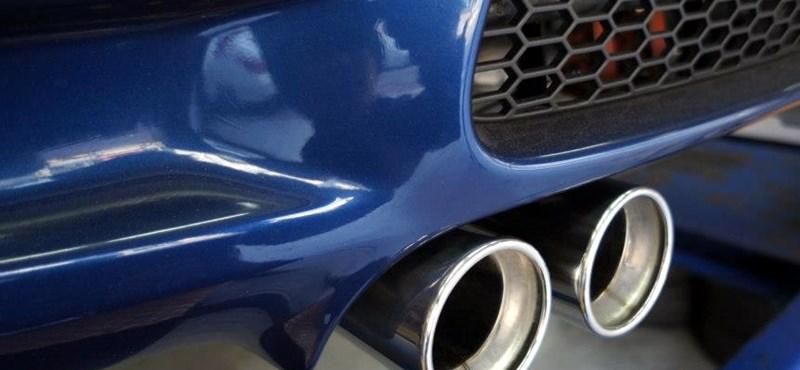 Ellenőrzés az utakon: lecsap a büdős autókra a minisztérium