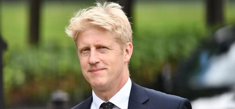 Kilépett a brit kormányból Boris Johnson öccse