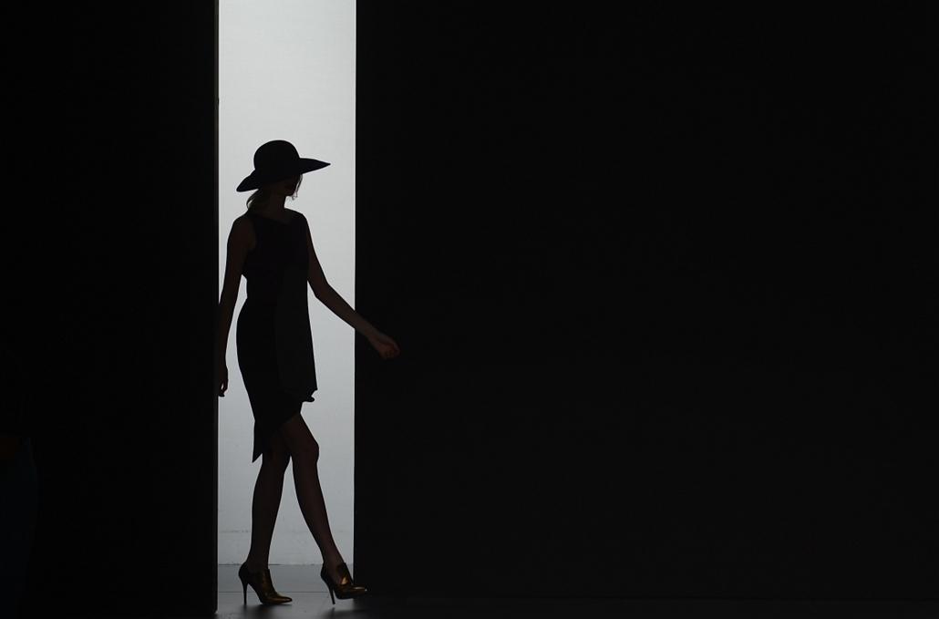 Madrid, Spanyolország - Fashion Week