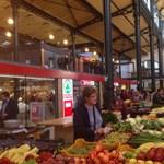 Kétmilliárdért újították fel, most újabb 100 milliót költenek a Klauzál téri piacra