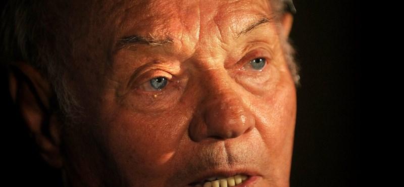 Az elhunyt Buzánszkyra emlékezik a FIFA