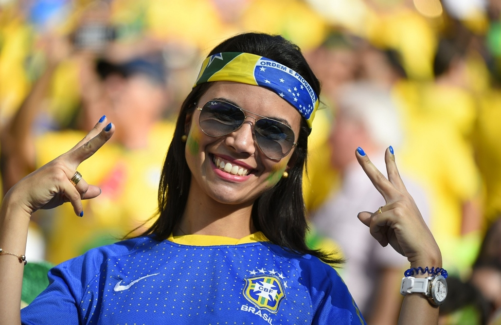 afp. vb-lányok, foci-vb 2014, szurkolók - Brazil fan, Sao Paulo, Brazília, 2014.06.12.