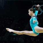 Kovács Zsófia világkupa-aranyérmes felemáskorláton Koperben