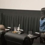 Gyanútlanul beültek a Jokerre, és egyszer csak megjelent ott Joaquin Phoenix (videó)