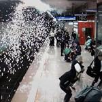 Egy léggömb okozott nagy riadalmat a stuttgarti főpályaudvaron – fotó
