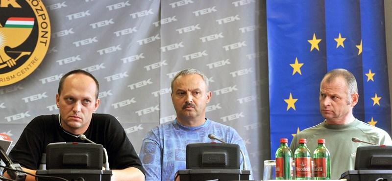 Hazatért a Szíriában elrabolt három magyar