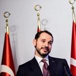 Akciótervvel mentené a lírát Törökország
