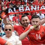 A görögök nagyon kiakadtak egy albán transzparensen