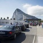 Jetskivel csempészik az embereket a Gibraltári-szorosnál