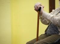 A lengyeleknél már a 14. havi nyugdíjról szavaznak