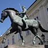 Feladta magát a fehérvári szobrot megrongáló fiatal