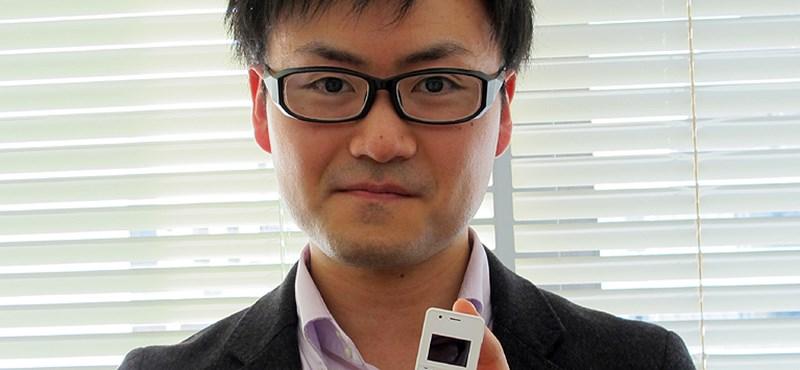 Készítse nagyítóját: ilyen a világ legkisebb mobiltelefonja