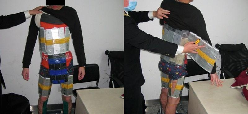 A testén próbált 94 iPhone-t Kínába csempészni – fotó