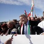 Itt a CÖF megoldása a terrorra, még több hatalmat Orbánnak