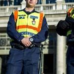 Átlagosan másfél hónapnyi túlórája volt egy rendőrnek tavaly