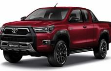 200 lóerős motort kapott a megújult Toyota Hilux