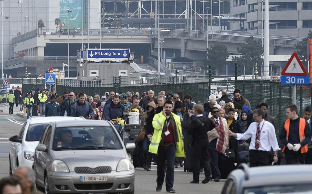 20160322003 - afp.16.03.22. - Brüsszel, Belgium: robbantás Zaventem repterén - yyyyy - belga robbantás, belga reptér, reptér