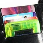 A bankkártya méretű telefon, ami még vízálló is