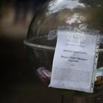 Nincs sumákolás: átlátszó gömbben adakozhatnak a német-magyar kapcsolatoknak Kötcsén