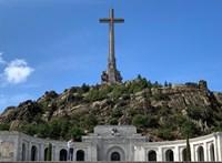 Csütörtökön kihantolják és elszállítják Franco maradványait