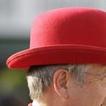 Rózsaszín, citromsárga, tollas - a Kentucky Derby kalapjai - Nagyítás-fotógaléria