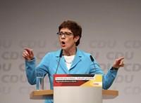 Német védelmi miniszter: A Kreml akciói fenyegetést jelentenek Európára