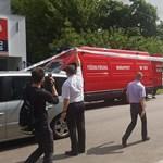 Nagy területet kiürített a rendőrség az angyalföldi tűz miatt - videó