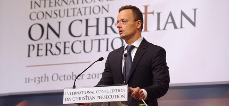 """Szijjártó: """"Egy jó keresztény nem lehet senki ellen"""""""