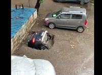 Tengeralattjáróként merült alá egy autó egy utcai kráterben