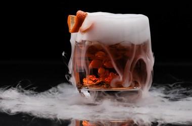 A katonaorvos whiskyjének is köszönhetjük, hogy van szárazjég az oltás szállításához