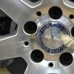 Közel kétmilliárd dollárjába kerül a Daimlernek, hogy lezárja az amerikai dízelbotrányát