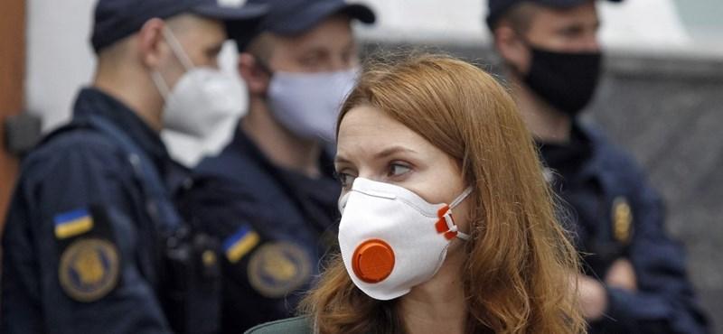 Ismét több mint 1100 új fertőzöttet regisztráltak Ukrajnában