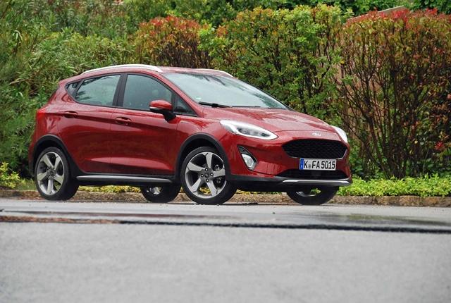 Autó  Ez komoly  Itt egy háromhengeres sportkocsi - Ford Fiesta ST ... 7eb71e0531