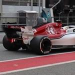 Fotógaléria: megnéztük az idén először egymásnak feszülő új F1-autókat