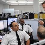 Szigorúan visszafogja az állami kiadásokat Nagy-Britannia