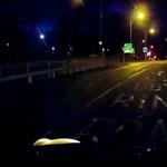 """""""Elnézést, de van fedélzeti kameránk"""": óriásit égett a kerékpáros – videó"""
