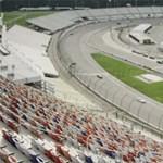 Ilyen lenne a NASCAR elektromos autókkal - videó