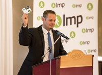Közeledik az LMP a Fideszhez, vélik a baloldali szavazók