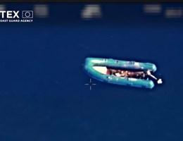 Tengerbe dobta halott utastársait, így hánykolódott 11 napig a nyílt vízen