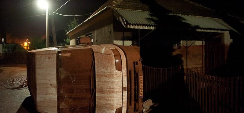 Iszapkatasztrófa: hírek és fotók percről percre