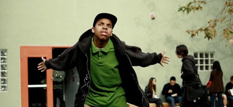 A világ legjobb tini-rappere visszatér a szülői száműzetésből (videó)