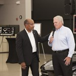 NASCAR-gurué az új Corvette első példánya