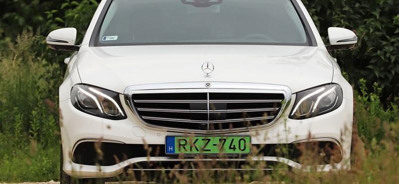 Dízelhiszti helyett dízelhibrid: teszten a zöld rendszámos és 1300 km-es hatótávú Mercedes