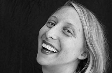 Napsugaras irodalmat ígér Emma Straub első magyarul megjelent könyve