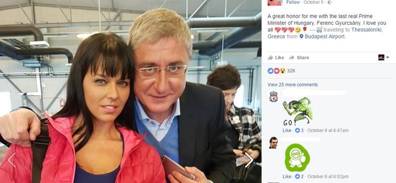 Pornósztárral pózolt Gyurcsány a reptéren – fotó