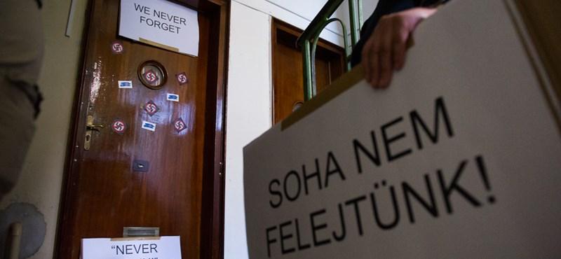 A kuruc.info akciója miatt Polthoz fordul a Mazsihisz