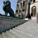 Így akarják hatástalanítani Orbán csapdáit